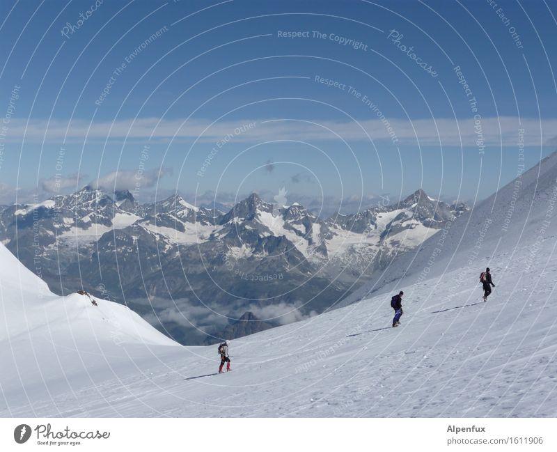 Seilschaft Klettern Bergsteigen Winter Hügel Felsen Alpen Berge u. Gebirge Zinalrothorn Monte Rosa Gipfel Schneebedeckte Gipfel Gletscher laufen wandern Freude