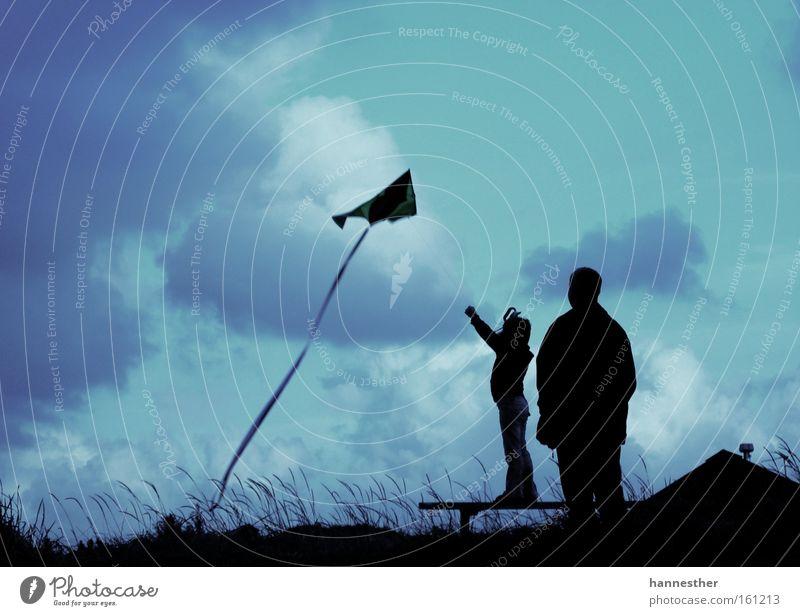 für Leon Freundschaft Ferien & Urlaub & Reisen Himmel Wolken Vater Tochter fliegen Wind verlieren Trauer Gott Tod Leben Freude Spielen Sommer Lenkdrachen