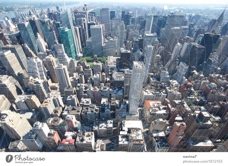 New York.... Haus Freiheit Business Häusliches Leben Wachstum Hochhaus Erfolg Macht Skyline Bankgebäude Hauptstadt Sehenswürdigkeit Sightseeing Städtereise