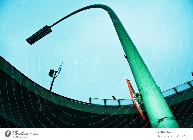 Umsturz Himmel blau Lampe Schilder & Markierungen Brücke Kurve Torbogen Bogen