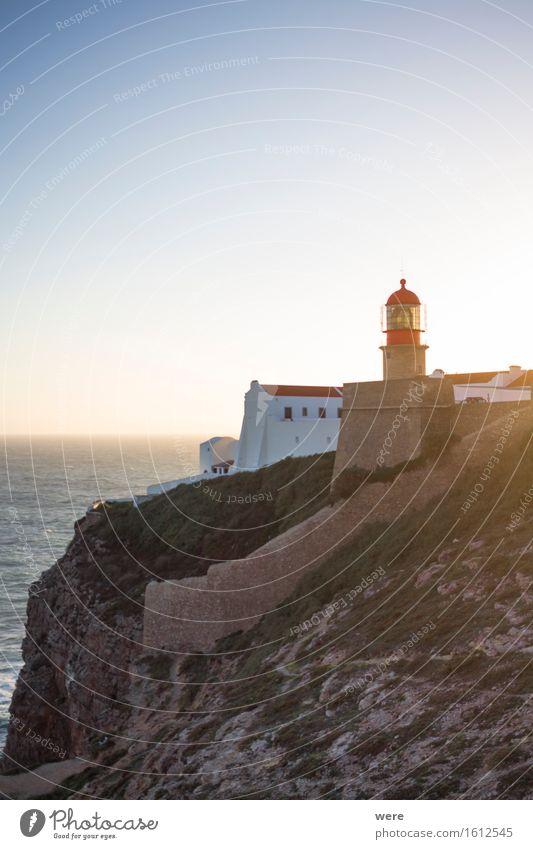 Licht aus - Spot an Ferien & Urlaub & Reisen Tourismus Meer Haus Wasser Küste Teich See Leuchtturm Gebäude Architektur Unendlichkeit Algarve Ausblick Felsküste