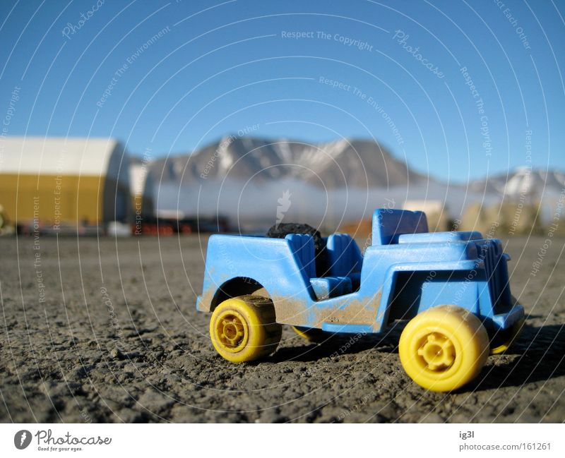 Mondlandung NASA Raumfahrt Fälschung Spielzeug Sandkasten Mondlandschaft Vulkankrater Kindergarten Freude KFZ Fahrzeug Geschwindigkeit Fortschritt Entwicklung