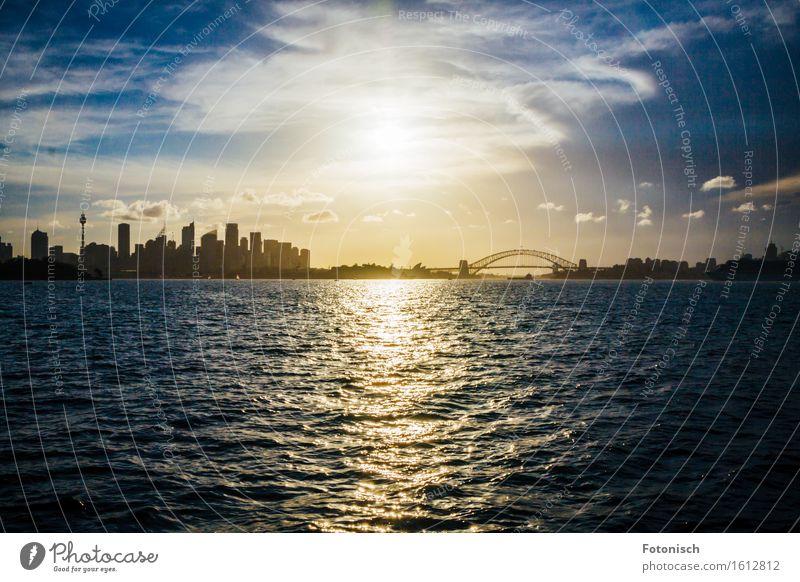 Sydney bei Sonnenuntergang Städtereise Wasser Himmel Wolken Sonnenaufgang Australien Australien + Ozeanien Stadt Hafenstadt Stadtzentrum Skyline Menschenleer