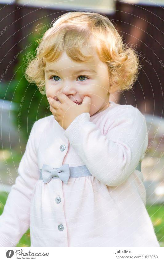 Nettes Baby saugen Nippel Kind Mensch Mädchen Junge Frau Erwachsene 1 0-12 Monate weiß neugeboren Brustwarze eine zwei drei Jahr erste Europäer Kaukasier