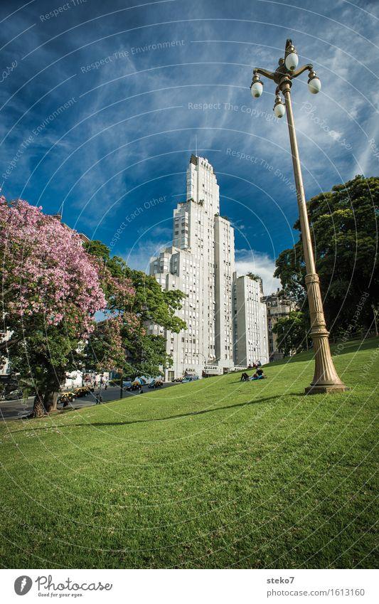 Edificio Kavanagh Buenos Aires Argentinien Hochhaus Architektur Sehenswürdigkeit außergewöhnlich hoch retro Stadt blau grün Ordnung Außenaufnahme