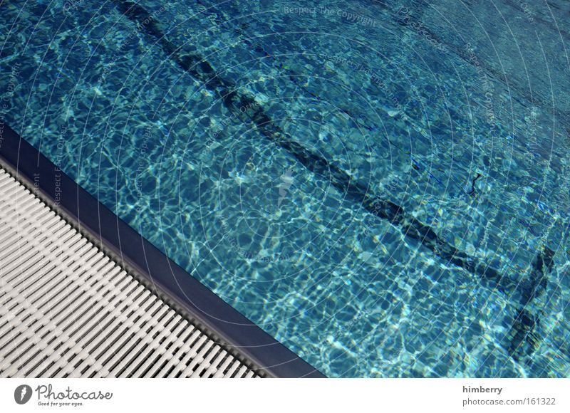 cool water Wasser Sommer Spielen Schwimmbad Erfrischung Wassersport Sprungbrett Freibad