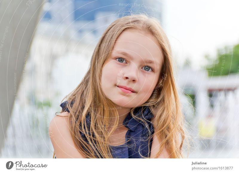 Portrait von süßen Mädchen Kind Schulkind Frau Erwachsene Kindheit 1 Mensch 3-8 Jahre 8-13 Jahre blond niedlich blau weiß Vorschulkind jung Dame 7 Kaukasier
