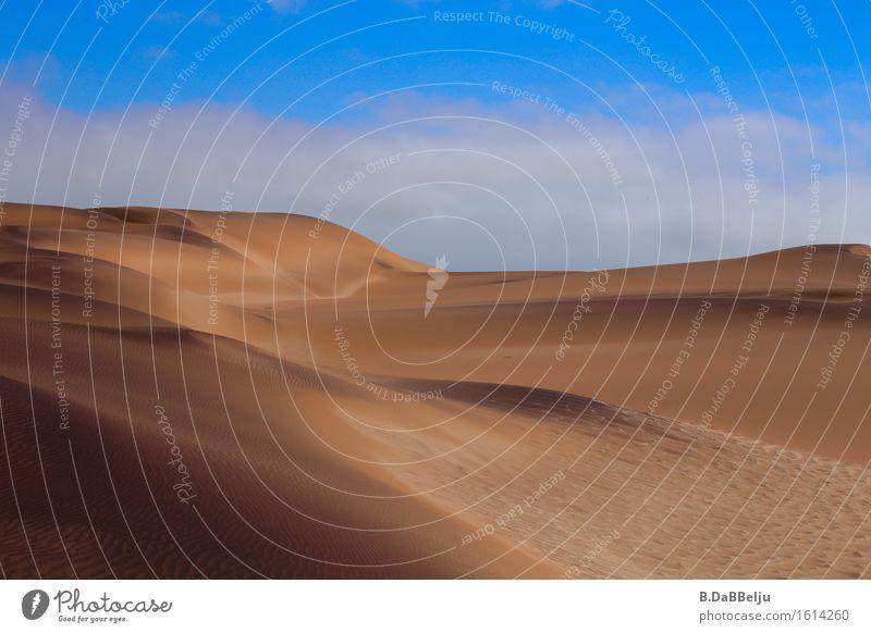 Weite Ferien & Urlaub & Reisen Tourismus Abenteuer Ferne Safari Expedition Natur Landschaft Sand Himmel Wolken Wärme Dürre Wüste heiß leer Einsamkeit Namib