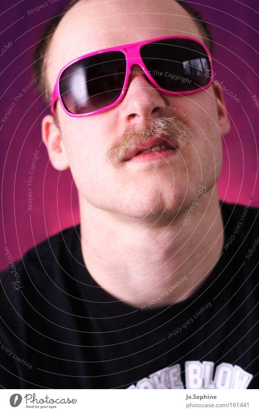 Don't mess with me! Mann Erwachsene Stil rosa verrückt Kommunizieren Coolness retro Wut Brille böse trashig Sonnenbrille Aggression rebellisch Oberlippenbart