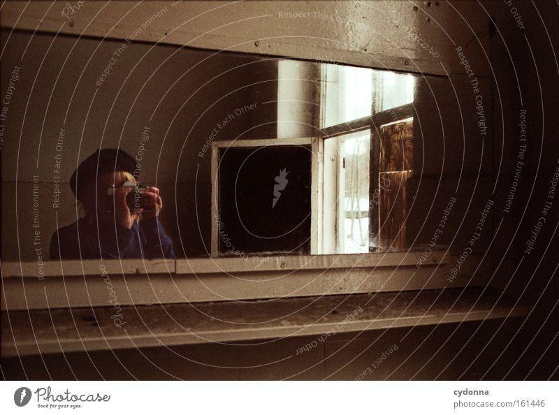 ![][][] Raum Örtlichkeit Verfall Leerstand Vergänglichkeit Zeit Leben Erinnerung Waschhaus Spiegel analog Fenster Reflexion & Spiegelung Mensch Frau Fotokamera