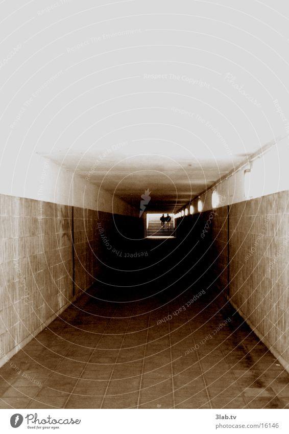tunnelblick Stadt Berlin Paar paarweise Tunnel London Underground Unterführung