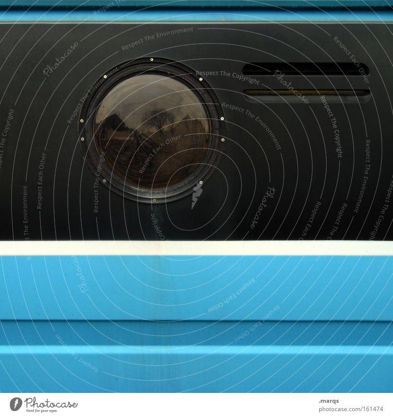 Bullauge Farbfoto Außenaufnahme abstrakt Textfreiraum rechts Textfreiraum unten Reflexion & Spiegelung Fenster Verkehr Verkehrsmittel Bus Metall Linie Streifen