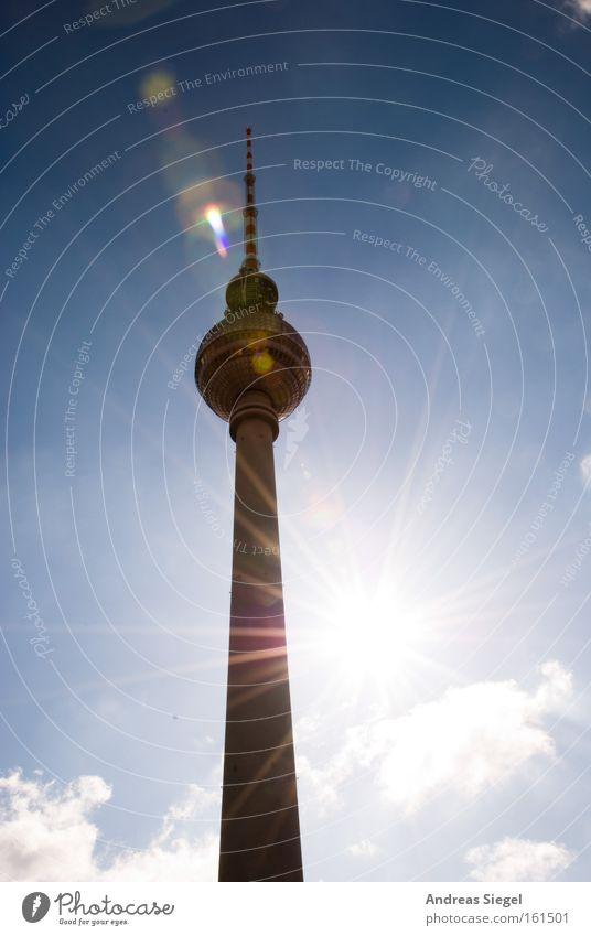 Sun is smiling... Sonne Wolken Berlin hell leuchten Denkmal Wahrzeichen Sehenswürdigkeit Hauptstadt blenden Berliner Fernsehturm Alexanderplatz Blendenfleck