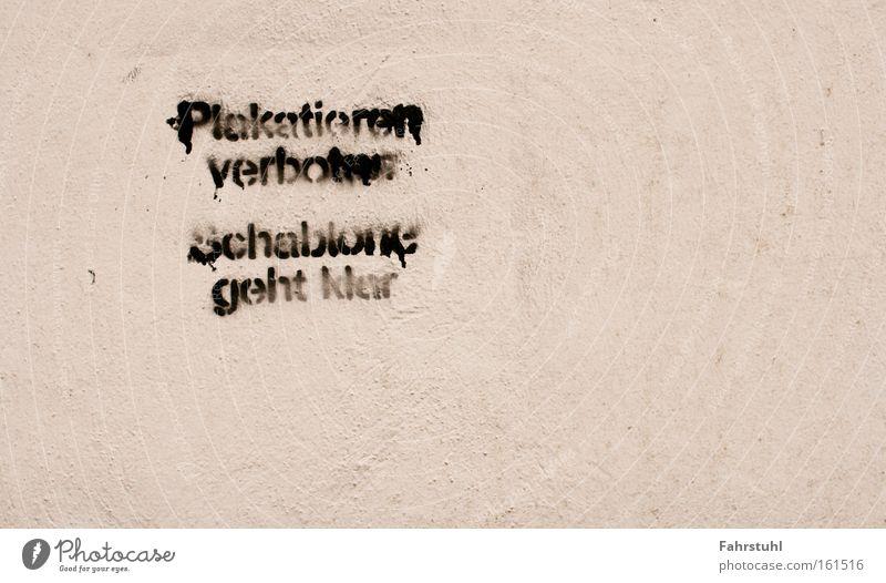 Plakatieren verboten-Schablone geht klar Graffiti Wand weiß Strukturen & Formen Straßenkunst Stadt Wandmalereien Stencil