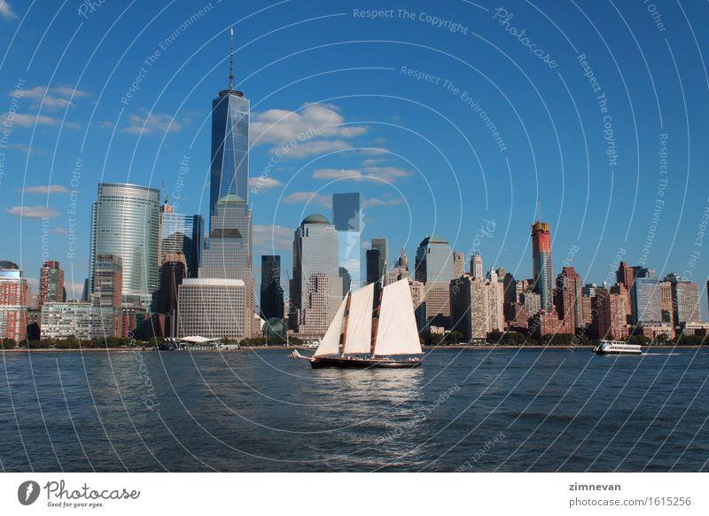 Lower Manhattan Stadtbild mit Segelschiff Ferien & Urlaub & Reisen Landschaft Architektur Gebäude Freiheit Erde modern Hochhaus neu USA Skyline Sehenswürdigkeit