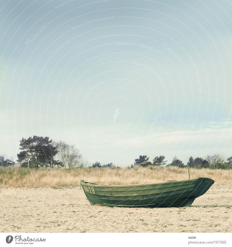 Strandgut Himmel Wasser Strand Meer Ferien & Urlaub & Reisen ruhig Einsamkeit Erholung Freiheit Holz träumen Küste Wasserfahrzeug See Horizont Ausflug