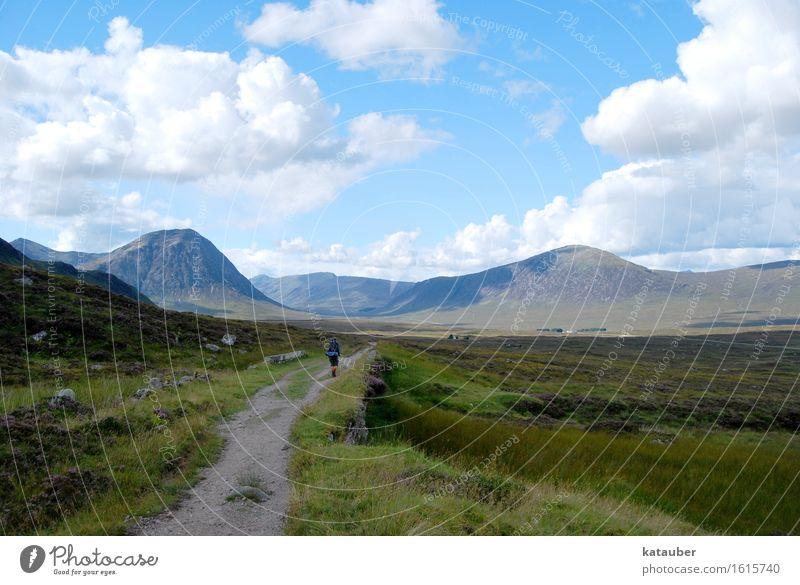 highland walk Landschaft Himmel Wolken Schönes Wetter Wiese Felsen Berge u. Gebirge wandern schön Abenteuer Ferien & Urlaub & Reisen Schottland