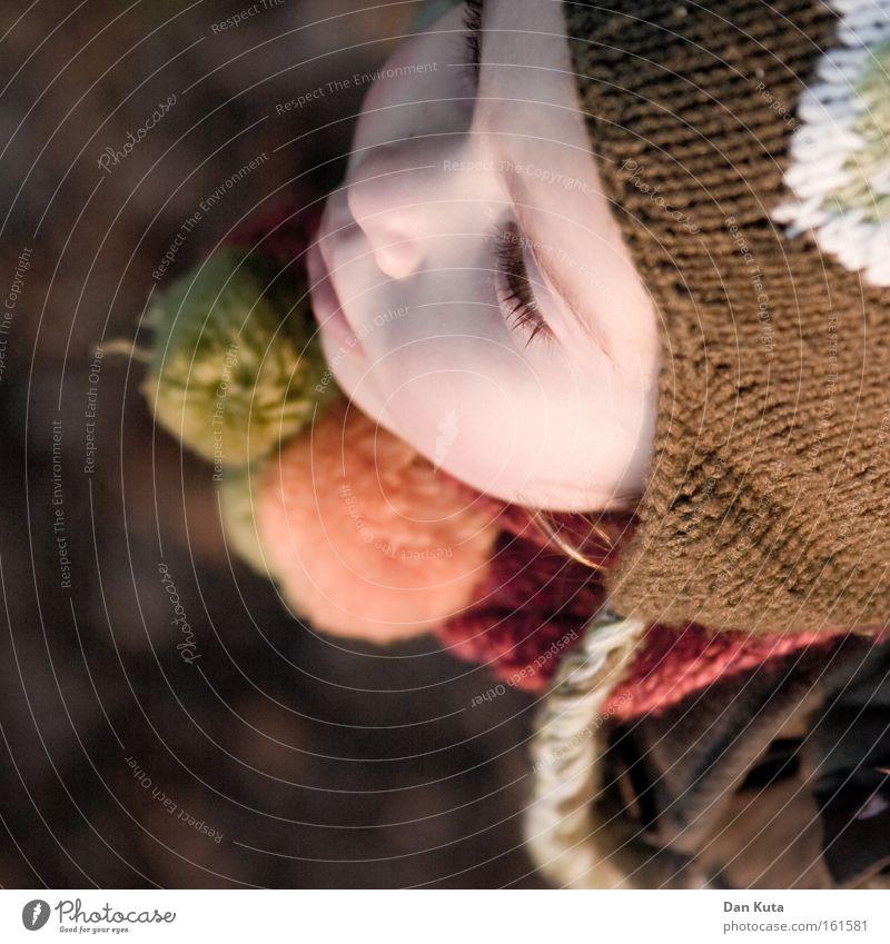 Herbst mit Puscheln Kind Mädchen kalt Herbst süß weich Schweiz niedlich Mütze Kleinkind stricken Quaste