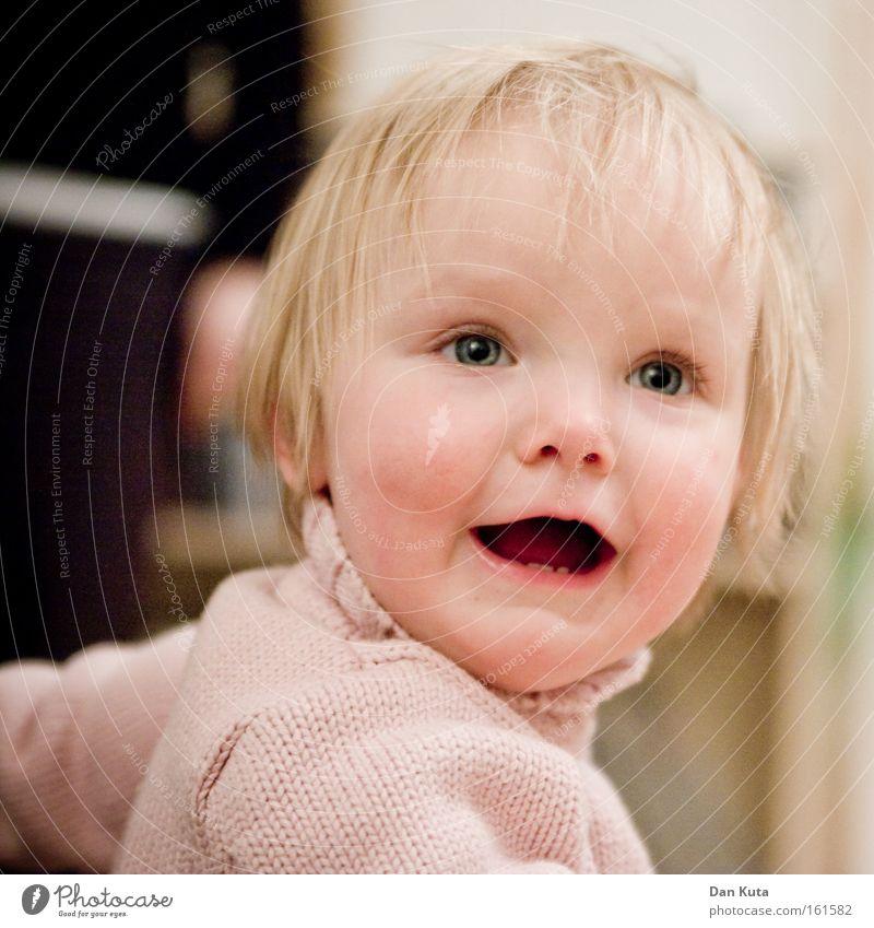 Dein Kinderfoto wurde bestätigt. Mädchen Freude Gefühle lachen Zufriedenheit blond süß Porträt niedlich Kleinkind verführerisch