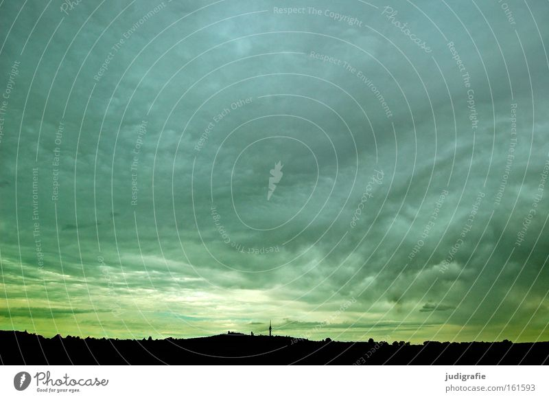 Autobahn Himmel Ferien & Urlaub & Reisen Wolken Farbe Landschaft Wetter Horizont fahren Turm unterwegs