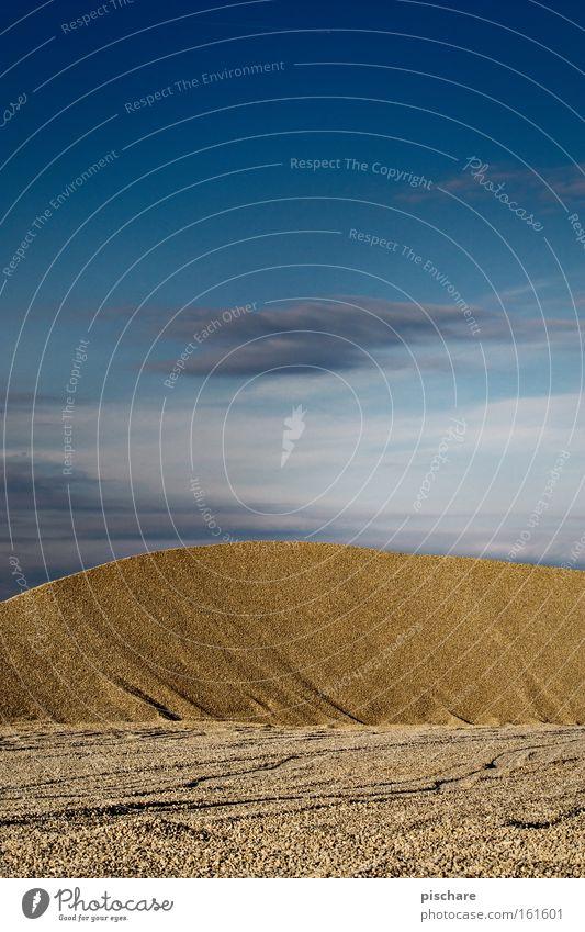 Düne/Schottergrube Himmel blau gelb Sand Stein Erde Hügel Wüste Stranddüne Kies Ödland Mineralien Kiesgrube