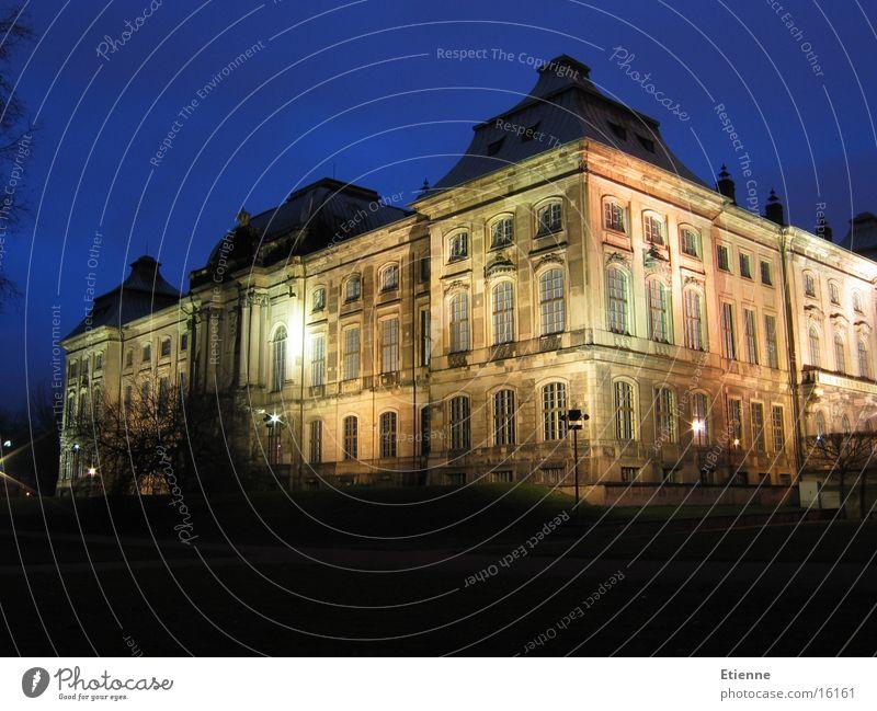 Japanisches Palais Dresden Nacht Langzeitbelichtung historisch