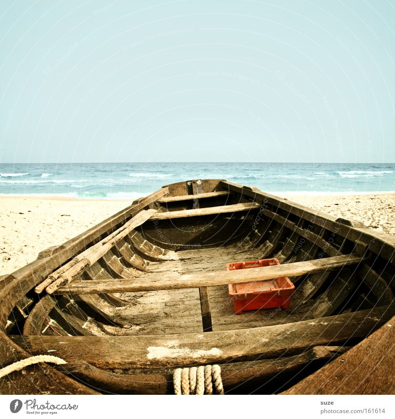 Fischerboot Himmel Wasser Strand Meer Ferien & Urlaub & Reisen ruhig Einsamkeit Erholung Freiheit Holz träumen Küste Wasserfahrzeug See Horizont Ausflug