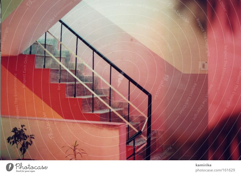 farbmilieu Treppe rot Wärme Hotel Bordell Indien Flur Leiter stairs Geländer Stimmung prostitution Ferien & Urlaub & Reisen Architektur