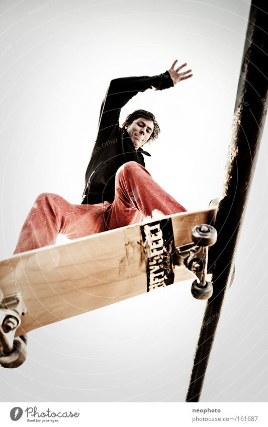 Drahtseilakt Skateboarding Feierabend Rolle rollen Holzbrett Außenaufnahme Dom Brücke gefährlich Weitwinkel Freude Sonnenuntergang Funsport Sport Spielen