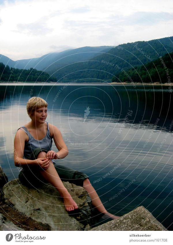 ease Frau Natur Sommer ruhig Erwachsene Freiheit Berge u. Gebirge Denken See blond Pause Frieden Unbeschwertheit regenerativ Elsass