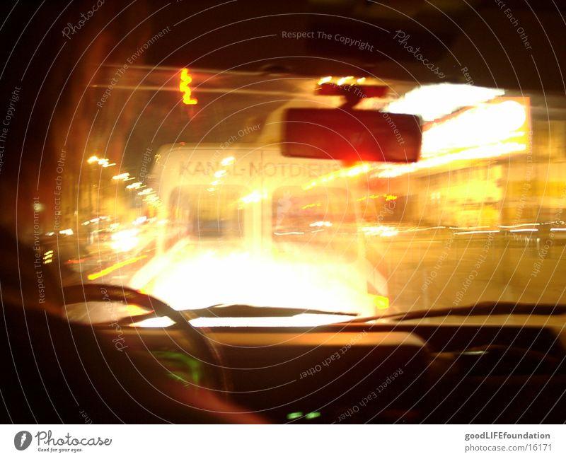 Nachtfahrt Unschärfe Dorf Verkehr Licht PKW Düssel