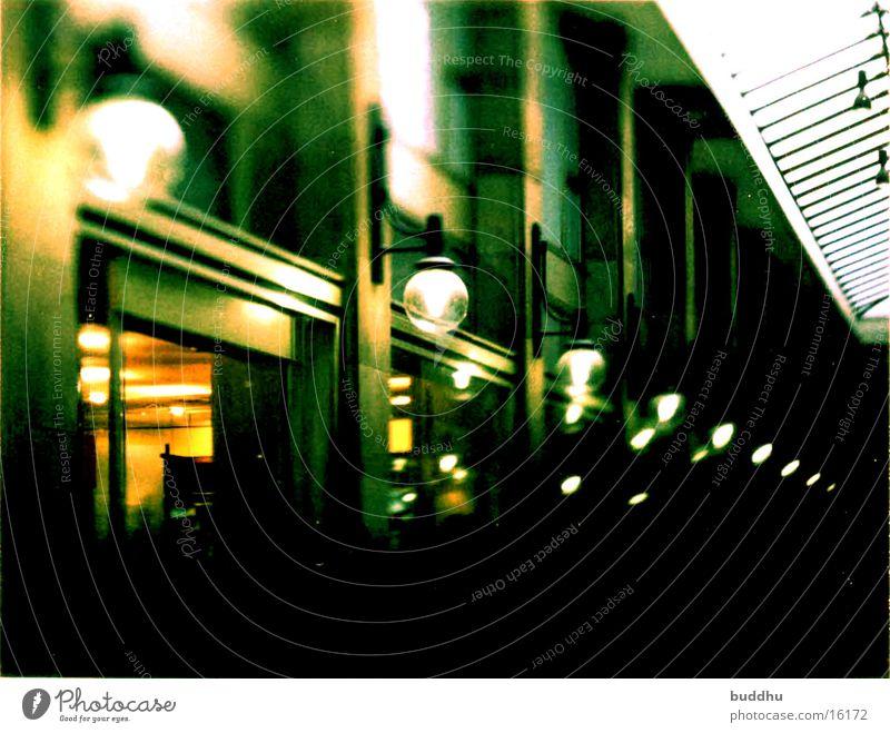 Fussgängerpassage Stuttgart Dämmerung Architektur Licht Grossbildkamera Grossbildformat