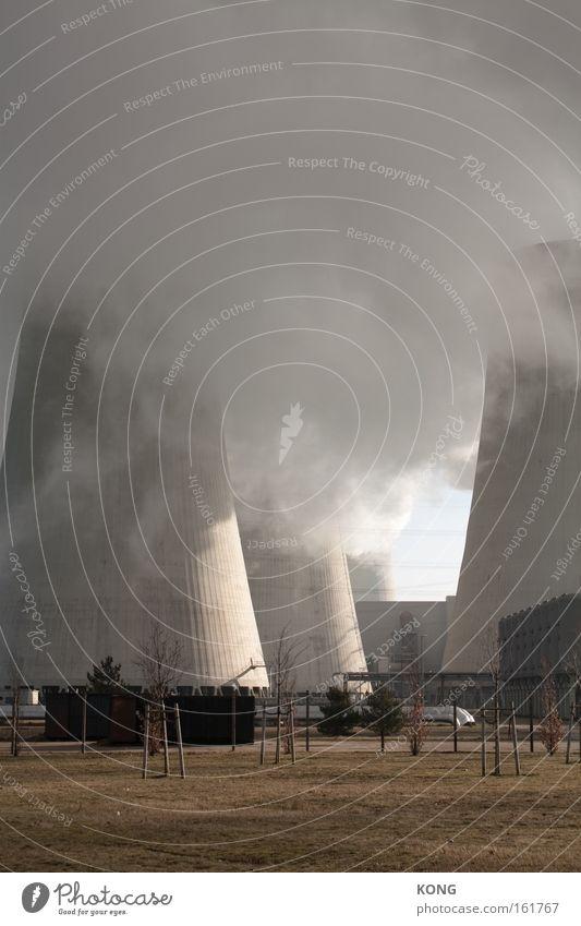 touching the cloud Industrie Klima Wolken Nebel Dunst Abgas Beton Energiewirtschaft Stromkraftwerke Heizkraftwerk Elektrizität grau dreckig Himmel unklar