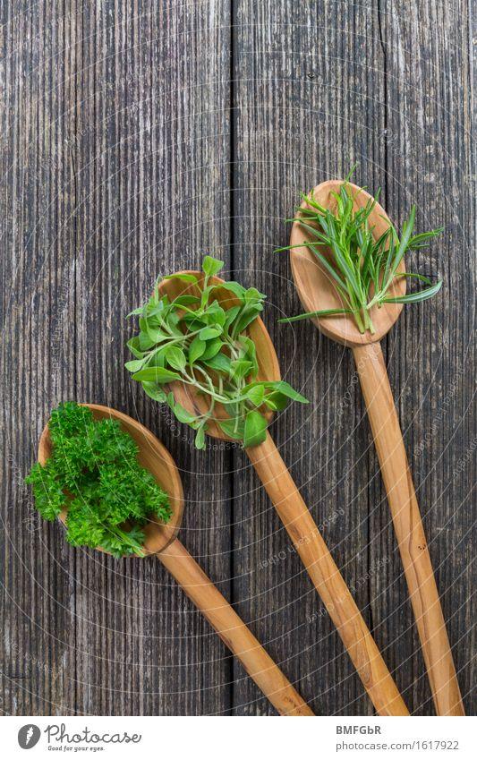 3 Löffel mit Medizin Lebensmittel Kräuter & Gewürze Rosmarin Petersilie Majoran Ernährung Bioprodukte Vegetarische Ernährung Diät Slowfood Gesundheit