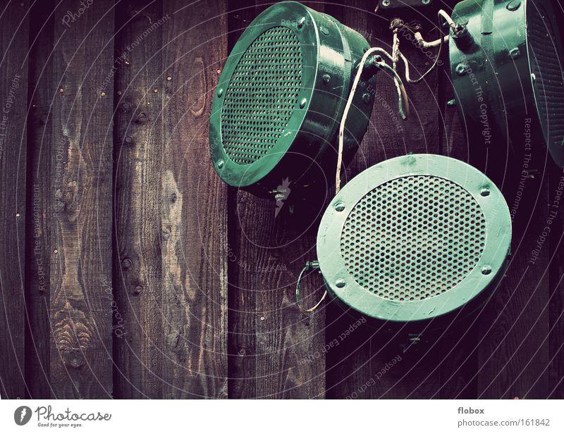 DURCHSAGE: Photocase wird verkauft... sprechen Musik Technik & Technologie Kommunizieren Telekommunikation Information Werbung Lautsprecher Radiogerät Radio hören Mikrofon Megaphon Schall Lautstärke Elektrisches Gerät