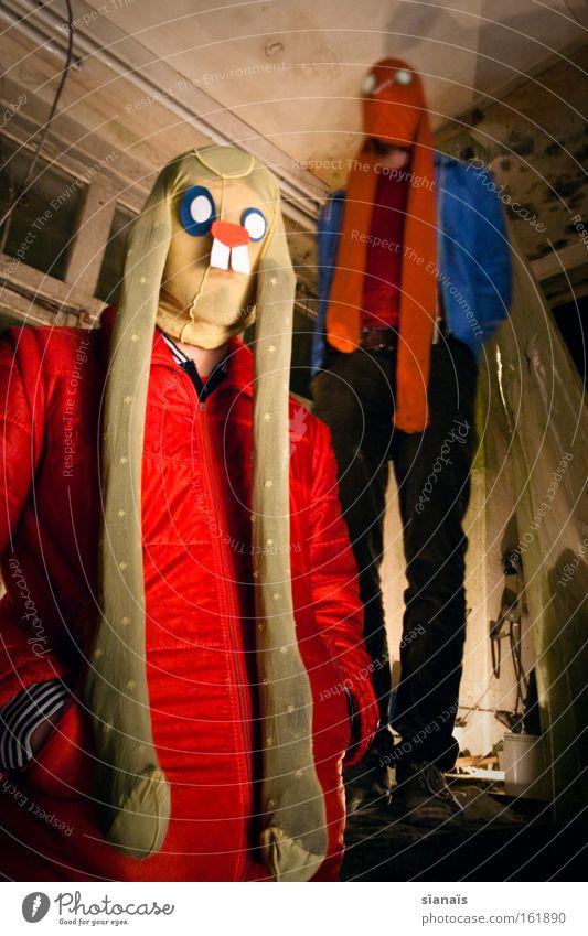 ostervorboten Mensch Tier Paar Tierpaar lustig verrückt paarweise Ostern Tiergesicht bedrohlich Maske Karneval gruselig obskur skurril Strumpfhose