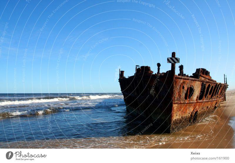 Geisterschiff Strand Meer Wellen Natur Sand Wasser Himmel Sommer Küste Wasserfahrzeug Rost Kreuz Schiffswrack Australien Farbfoto mehrfarbig Außenaufnahme