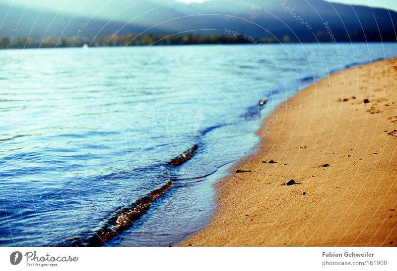 tides Strand See Küste Seeufer Tegernsee Sand Wasser blau Nachmittag Wellen Bayern Spuren