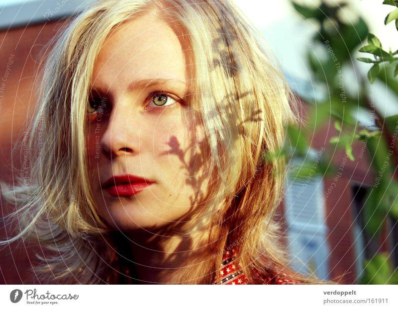 0_5 Frau Porträt Schatten Sonne licht Auge Mensch Gesicht Beautyfotografie