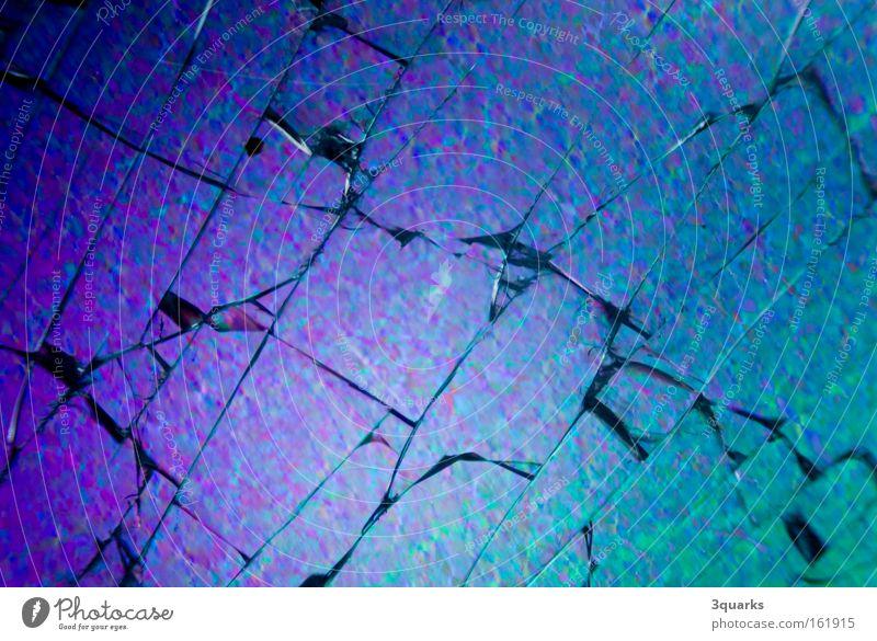 broken glass blau springen Glas gebrochen Zerstörung zerbrechlich Scherbe Mikrofotografie