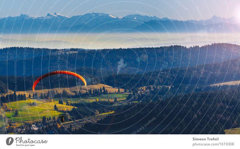 Freiheit Lifestyle Fallschirmspringen Gleitschirmfliegen Abenteuer Sommer Berge u. Gebirge Landschaft Himmel Schönes Wetter Hügel Felsen Alpen Schwarzwald