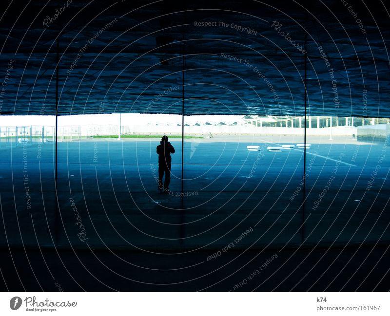 Forum Mensch Mann blau Fenster Architektur Barcelona Gletscherspalte Schacht