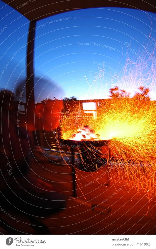 Grillsaison eröffnet! Sommer Farbe Leben Brand modern Feuer Brandschutz bedrohlich Student Balkon Ernährung Grillen blasen Kochen & Garen & Backen Fleisch