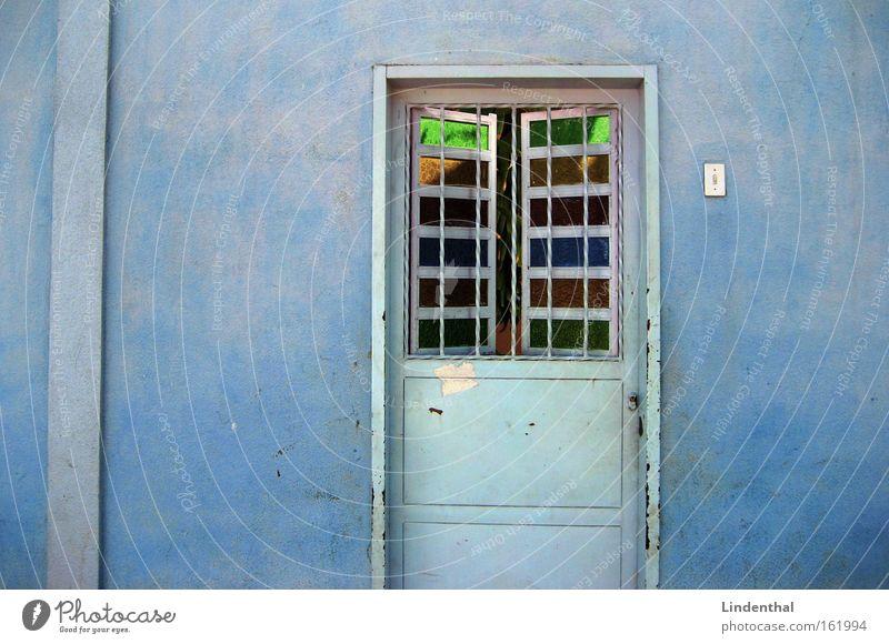 Blaues Haus mit Eingangstüre (Foto kaufen) blau Haus Tür Glas modern Klingel Eingangstür
