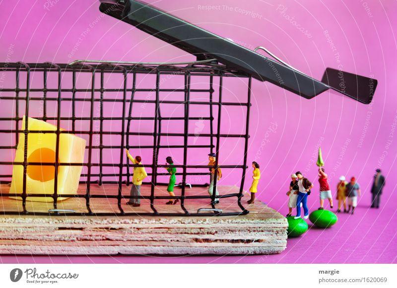 Miniwelten - in der Falle Mensch Frau Mann Erwachsene gelb feminin Menschengruppe rosa maskulin