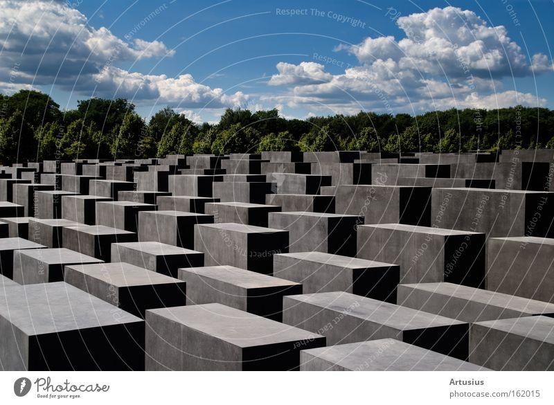 jüdisches Denkmal Berlin Berlin Denken Stein Pause Denkmal Verkehrswege erinnern Moral Judentum Massenmord Wolkenformation Holocaustgedenkstätte Mord Europa