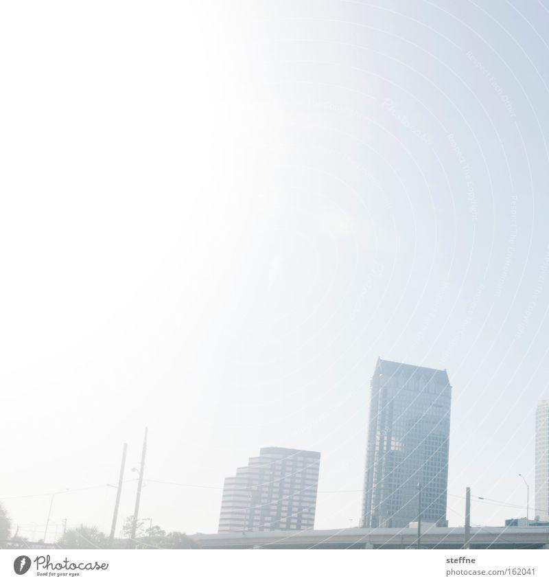 sunny day Sonne Sommer hell Hochhaus USA Skyline Stadtzentrum Florida Amerika Tampa