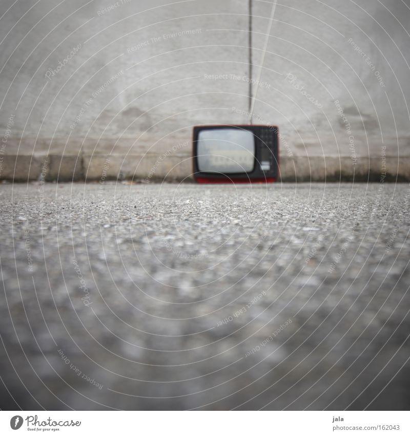 channel 200 alt Medien Perspektive retro Fernseher Fernsehen Verkehrswege Bewusstseinsstörung