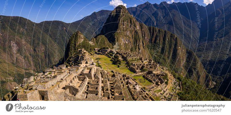 Die Inkastadt Machu Picchu Ferien & Urlaub & Reisen Tourismus Berge u. Gebirge Kultur Natur Landschaft Erde Himmel Wolken Felsen Stadt Ruine Terrasse Straße