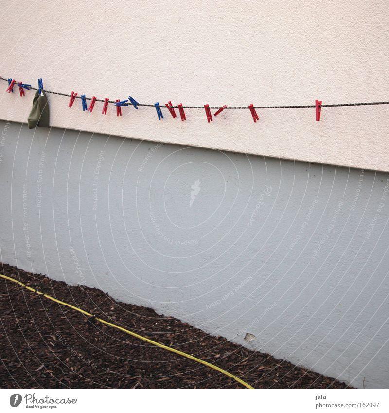 Blöde Mütze! Wand Kindheit Fassade Seil Bekleidung Stress Ablehnung widersetzen Wäscheklammern